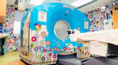Έμπνευση: εικαστική παρέμβαση του Takashi Murakami στο Νοσοκομείο Παίδων της Ουάσινγκτον